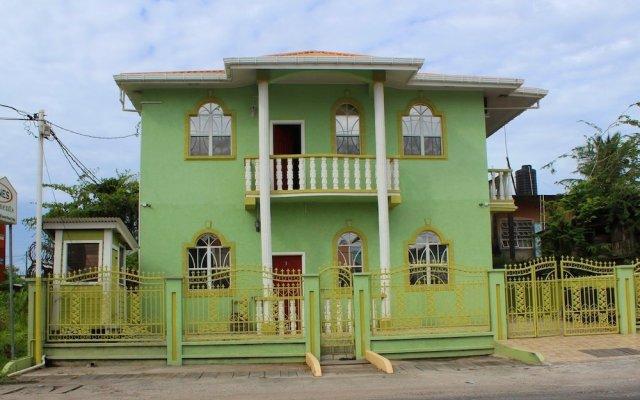 Отель Haynes Apartments Гайана, Джорджтаун - отзывы, цены и фото номеров - забронировать отель Haynes Apartments онлайн вид на фасад