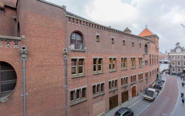 Отель XO Hotels City Centre Нидерланды, Амстердам - 5 отзывов об отеле, цены и фото номеров - забронировать отель XO Hotels City Centre онлайн вид на фасад