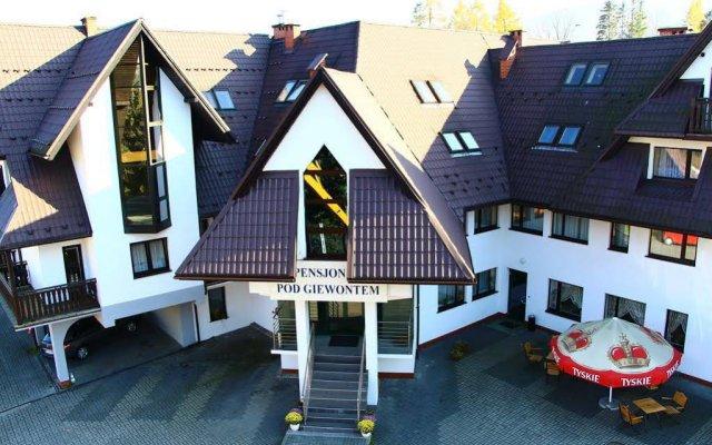 Отель Pensjonat Pod Giewontem Закопане вид на фасад