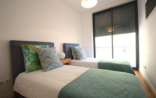 Отель Akicity Amoreiras In комната для гостей