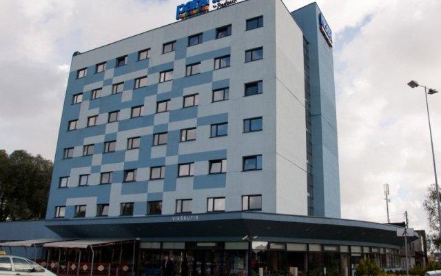 Отель Green Park Hotel Klaipeda Литва, Клайпеда - 7 отзывов об отеле, цены и фото номеров - забронировать отель Green Park Hotel Klaipeda онлайн вид на фасад