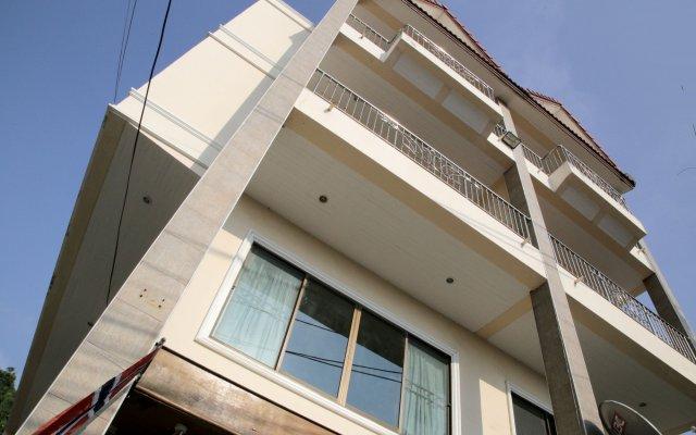 Green Mango Guesthouse - Hostel вид на фасад