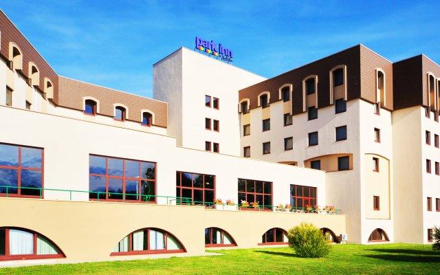 Отель Park Inn Великий Новгород вид на фасад