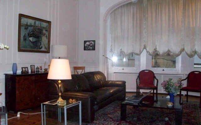 Апартаменты Apartment First Class Bouilliot Брюссель комната для гостей