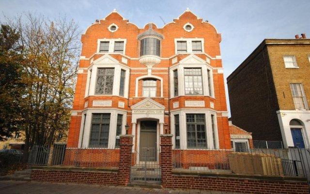 Отель 1 Bedroom Flat In New Cross Великобритания, Лондон - отзывы, цены и фото номеров - забронировать отель 1 Bedroom Flat In New Cross онлайн вид на фасад