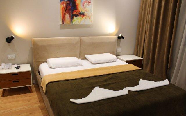 Hotel Artisti 0