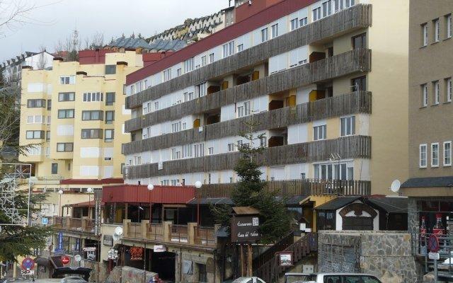 Отель Apartamentos Bulgaria вид на фасад
