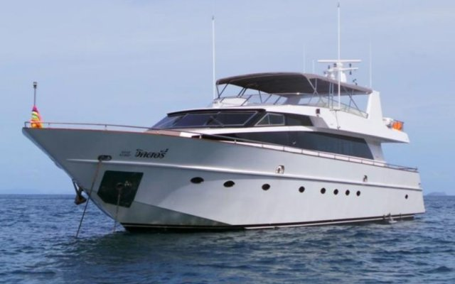 Отель Victory Luxury Motor Yacht
