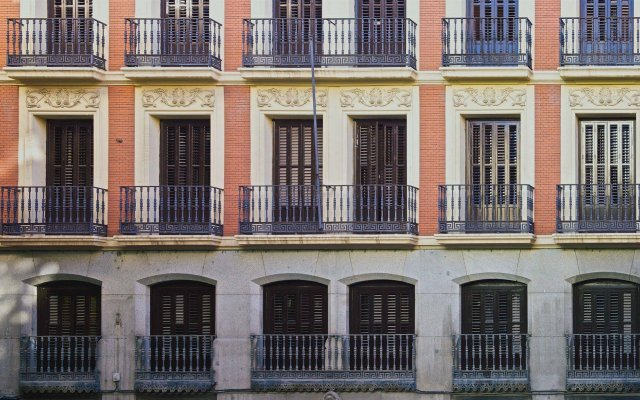Отель The Hat Madrid вид на фасад