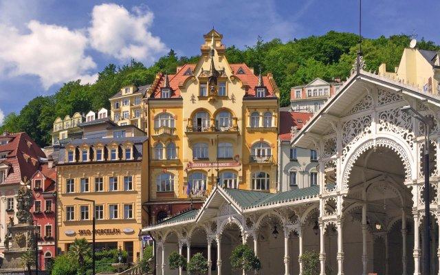 Отель Romance Puškin вид на фасад