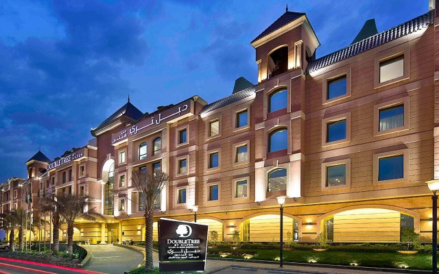 DoubleTree by Hilton Hotel Riyadh - Al Muroj Business Gate вид на фасад