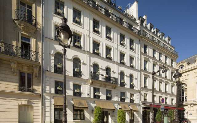 Отель Hôtel Des Grands Hommes вид на фасад