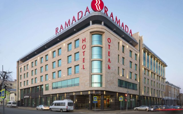 Гостиница Ramada Kazan City Centre вид на фасад