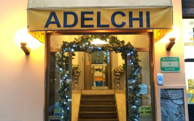 Hotel Adelchi вид на фасад