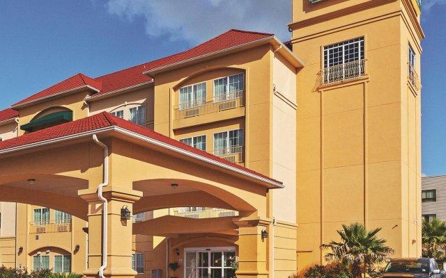 La Quinta Inn Suites Columbus New Ulm United States Of America