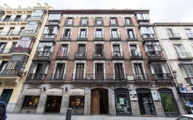 Отель Hostal Castilla I. вид на фасад