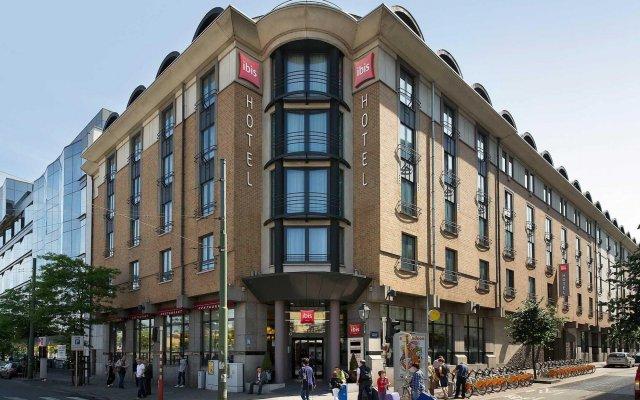 Отель Ibis Centre Gare Midi Брюссель вид на фасад