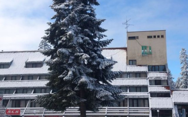 Hotel Ela вид на фасад