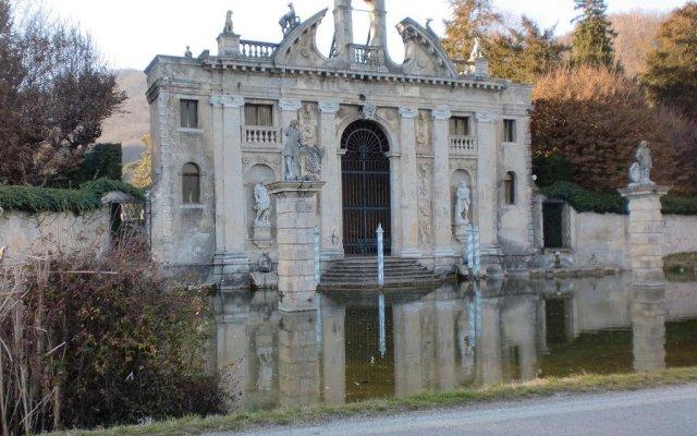 Отель Da Laura Италия, Региональный парк Colli Euganei - отзывы, цены и фото номеров - забронировать отель Da Laura онлайн вид на фасад