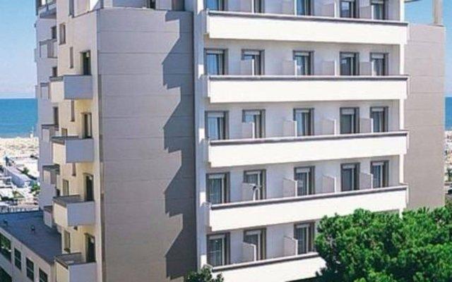 National Hotel вид на фасад