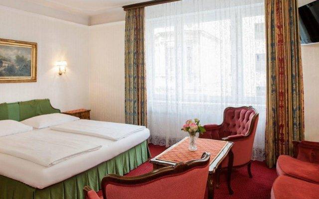 Suzanne Hotel Pension Вена комната для гостей