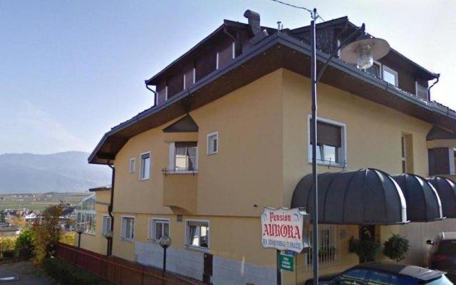 Отель Pension Aurora Аппиано-сулла-Страда-дель-Вино вид на фасад