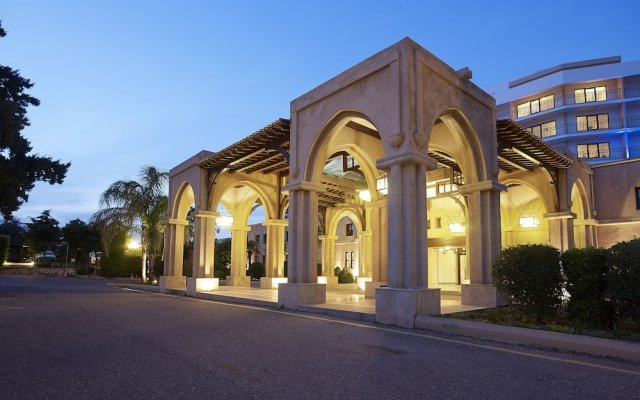 Отель Aldemar Amilia Mare вид на фасад