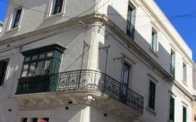 Отель Corner Hostel Мальта, Слима - отзывы, цены и фото номеров - забронировать отель Corner Hostel онлайн вид на фасад