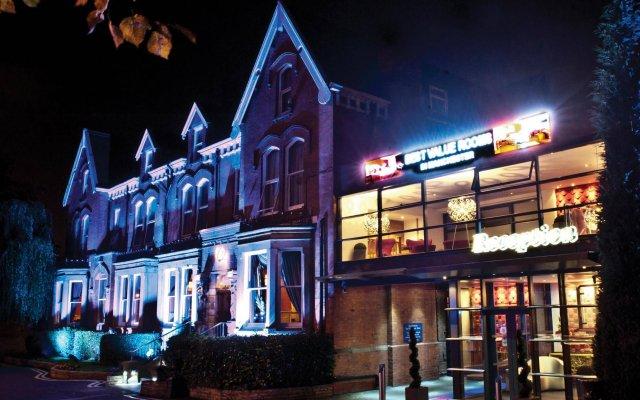 Отель Hallmark Inn Manchester South вид на фасад