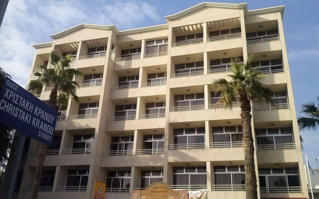 Estella Hotel and Apartments in Limassol, Cyprus from 55$, photos, reviews - zenhotels.com hotel front