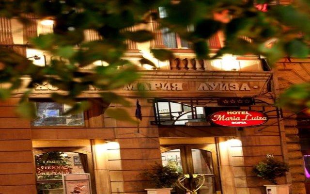 Hotel Maria Luisa вид на фасад