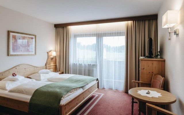 Отель Der Greil - Wein & Gourmethotel Австрия, Зёлль - отзывы, цены и фото номеров - забронировать отель Der Greil - Wein & Gourmethotel онлайн комната для гостей
