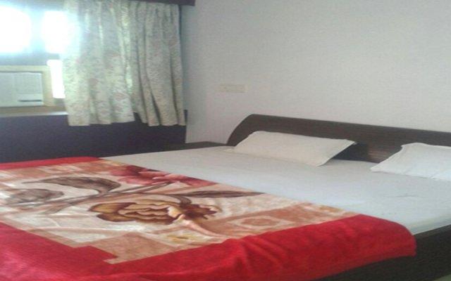 Hotel New Ratan Deep комната для гостей