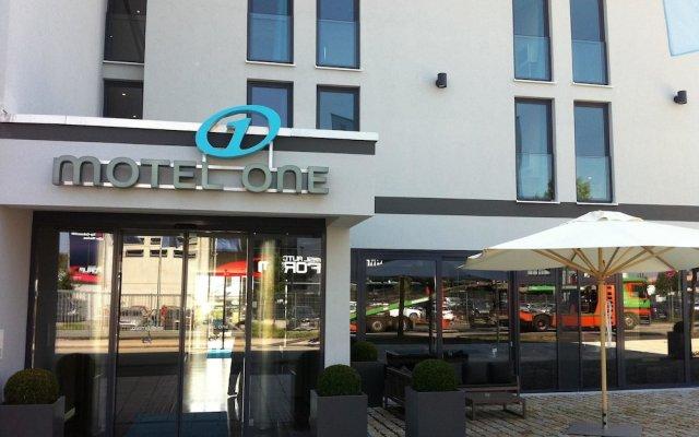 Отель Motel One München-Garching вид на фасад