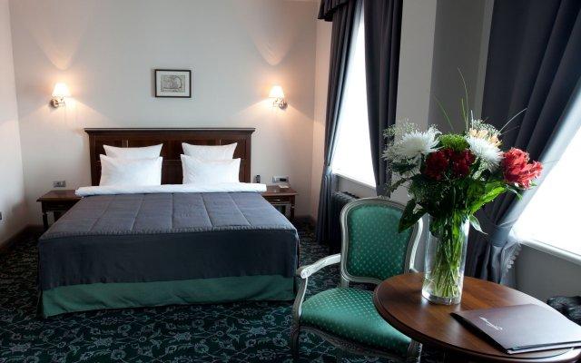 Гостиница Ремезов в Тюмени 9 отзывов об отеле, цены и фото номеров - забронировать гостиницу Ремезов онлайн Тюмень комната для гостей