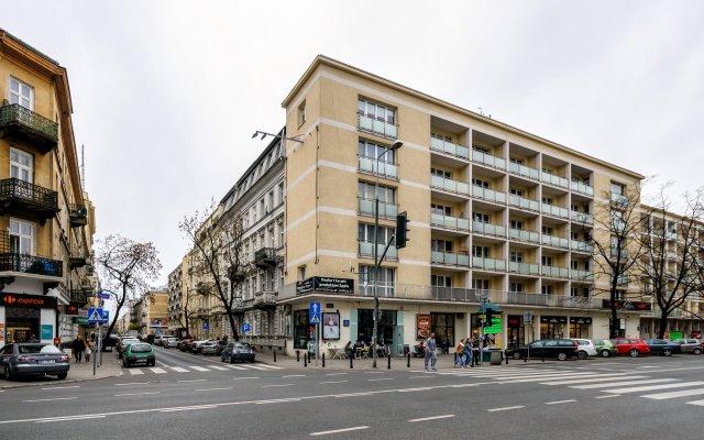 Отель Dream Loft Krucza Варшава вид на фасад