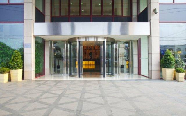 Отель Holiday Inn Suzhou Youlian вид на фасад