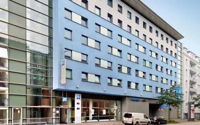 Отель Ibis Budget Hamburg St. Pauli Messe Германия, Гамбург - отзывы, цены и фото номеров - забронировать отель Ibis Budget Hamburg St. Pauli Messe онлайн вид на фасад