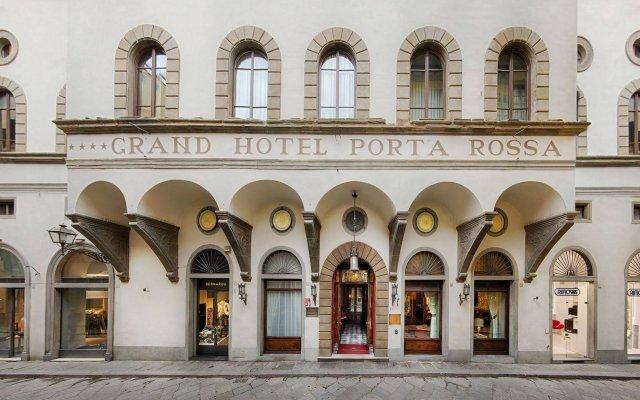 Отель NH Collection Firenze Porta Rossa вид на фасад