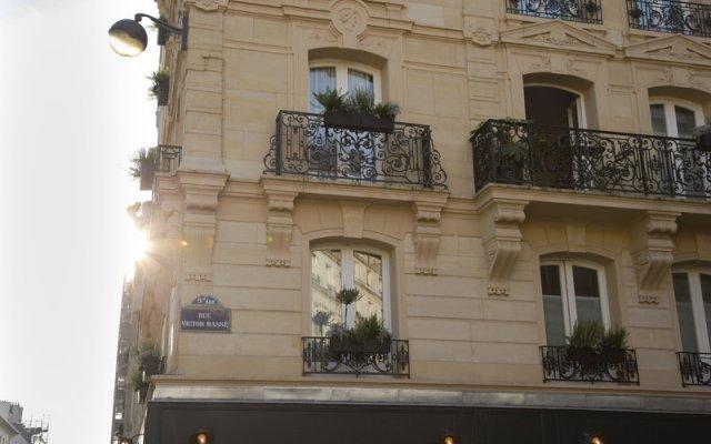 Отель Grand Pigalle Париж вид на фасад
