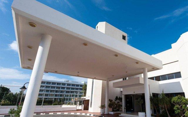 Iliada Beach Hotel вид на фасад