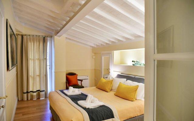 Апартаменты La Croce d'Oro - Santa Croce Suite Apartments комната для гостей