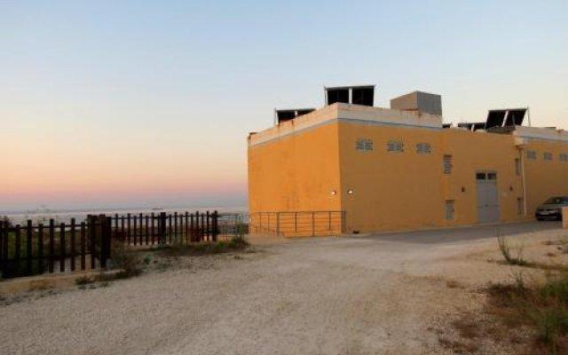 Отель Xrobb L-Ghagin Hostel Мальта, Марсашлокк - отзывы, цены и фото номеров - забронировать отель Xrobb L-Ghagin Hostel онлайн вид на фасад