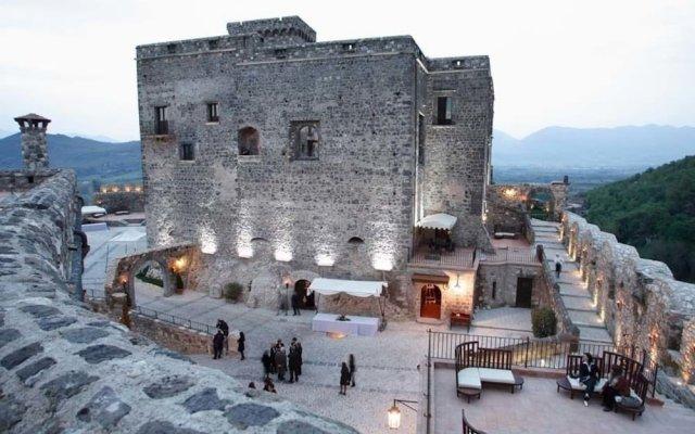 Отель Castello di Limatola Сан-Никола-ла-Страда вид на фасад