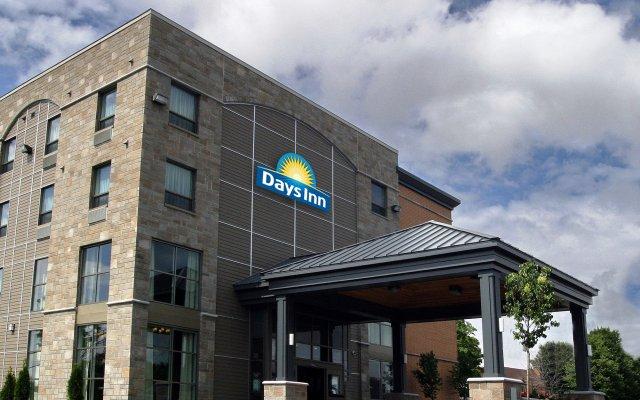Отель Days Inn by Wyndham Levis Канада, Сен-Николя - отзывы, цены и фото номеров - забронировать отель Days Inn by Wyndham Levis онлайн вид на фасад