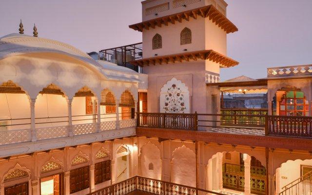 Отель WelcomHeritage Haveli Dharampura вид на фасад