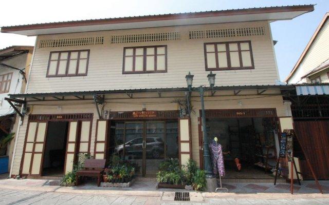 Отель Ob-arun House Бангкок вид на фасад