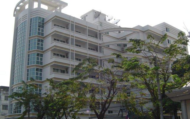 Отель Cnr House Бангкок вид на фасад
