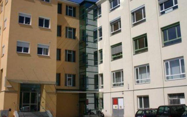 Отель Workbase Hostel Австрия, Вена - отзывы, цены и фото номеров - забронировать отель Workbase Hostel онлайн вид на фасад