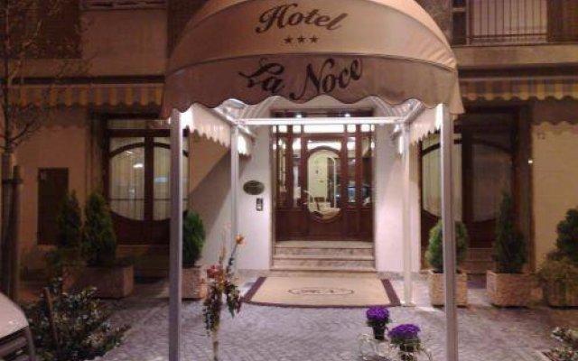 Hotel La Noce вид на фасад